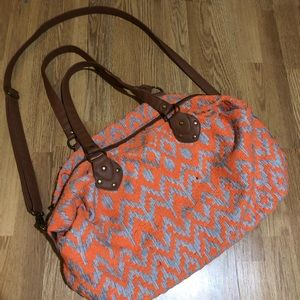 🆕Mossimo Neon Aztec Textured Weekender Bag GUC
